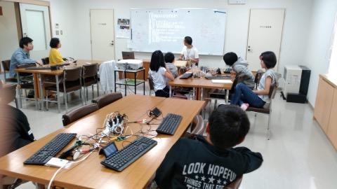 低学年はキーボードで運筆から!リンゴが美味しい信濃へお越しの際はぜひ南相木村の文化祭にもどうぞ。この秋は「すべてのこども達に芸術も!」