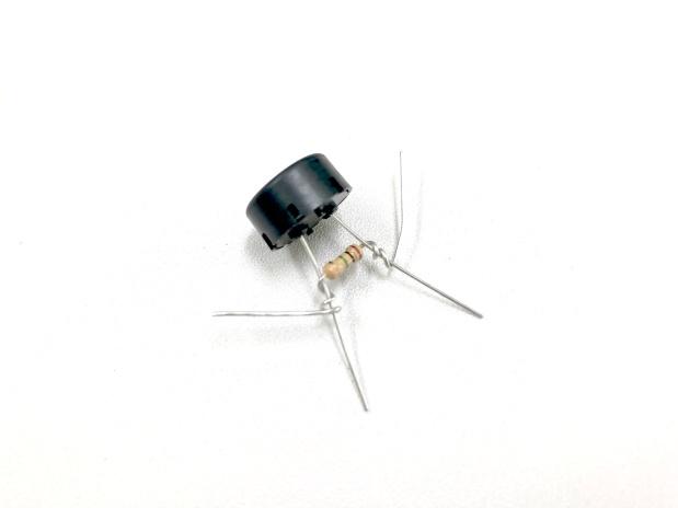 カンサスシティースタンダードを圧電サウンダで聞き取ることはできるのか?