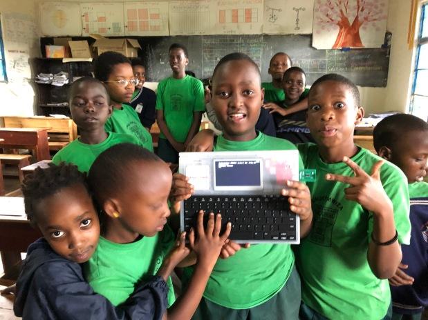 IchigoDyhook 大活躍!ルワンダで楽しむカムロボ プログラミング!